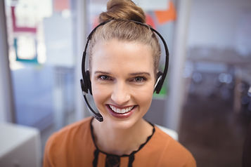 portrait-of-smiling-customer-service-rep