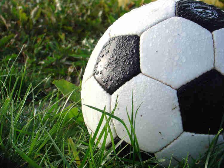 Legalização de jogadores de futebol em Portugal