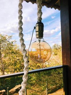 luminária macramê fios da paz