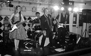 smokin aces dreamboats & petticoats vintage rock n roll band kent