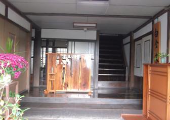 昭和に改築後の白金家玄関