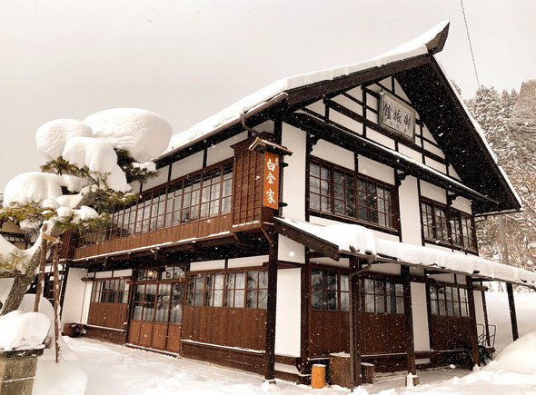 白金家外観雪景色