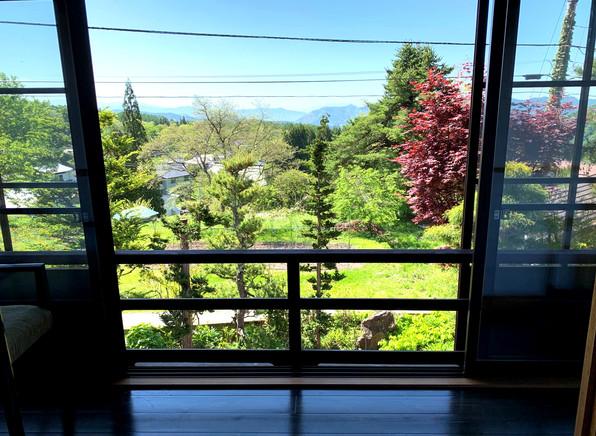 客室1番と2番からの景色。初夏