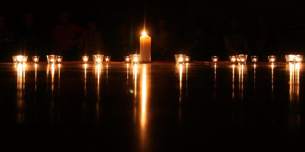 candle-1868609_1920_edited.jpg