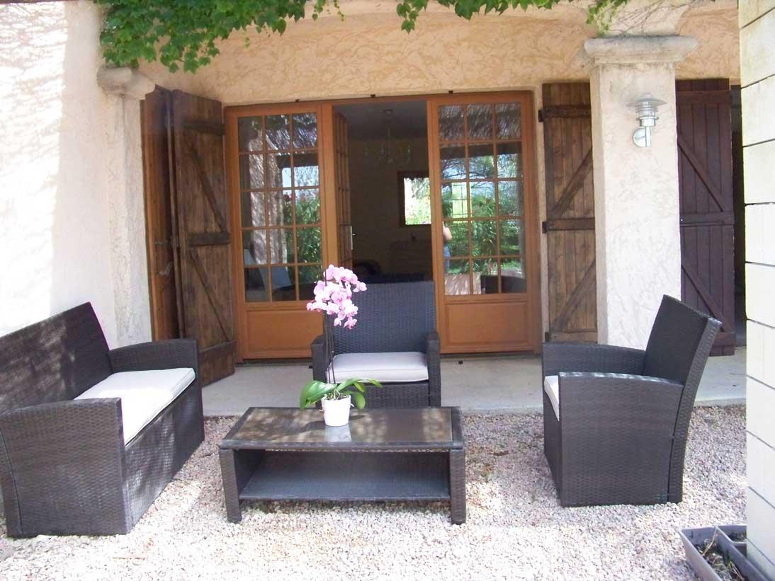 Salon de jardin gite Lorgues.jpg