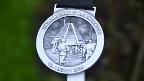 Hålandsvannet er 7033m, halvmaraton= 3 runder. Bratt bakke etter 1,5km og 3km