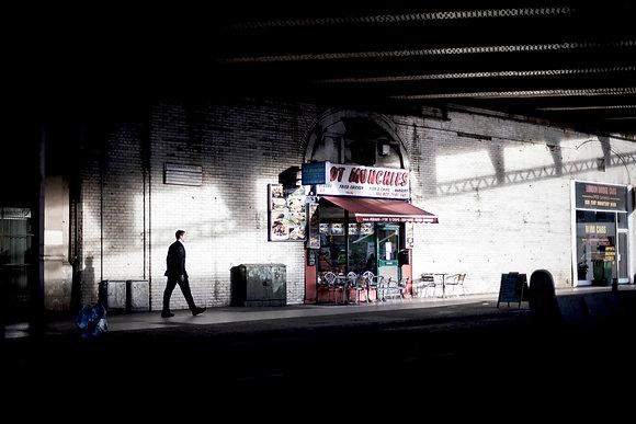 L'homme qui marche, Londres