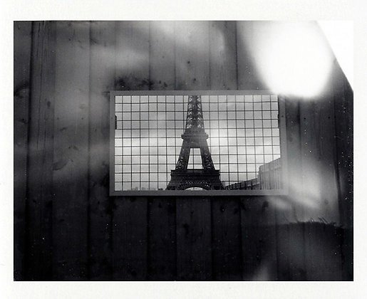 POLAROID LAND 250 - Tour Eiffel