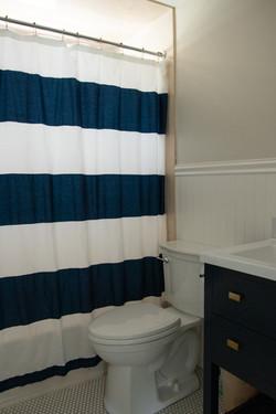 Bathroom (Both Floors)