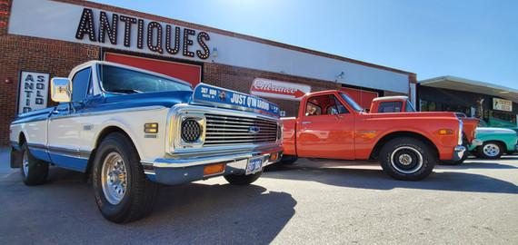 Frontier Auto Museum Car Show