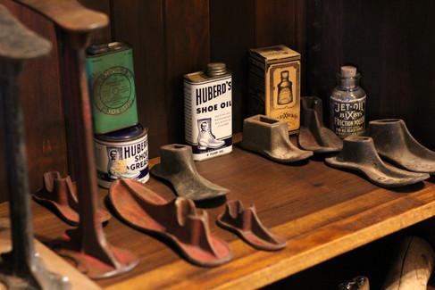Vintage Shoe Shop Frontier Auto Museum