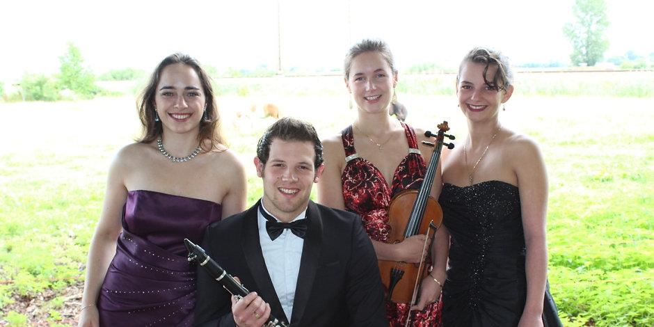 mijn vaste ensemble het Camelia Quartet hier in een fotoshoot