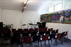 chapel, carpet, small venue, conference, projector