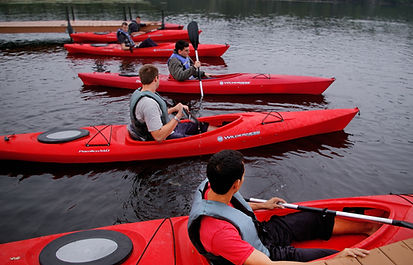 boats-canoe-kayak-696039.jpg