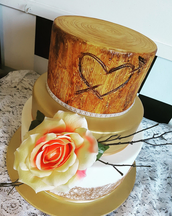 Rustic Wood Themed Wedding Cake