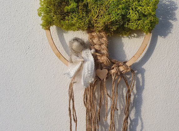 tree-of-life-with-reindeer-moss-and-needle-felted-girl-wall-decor-1