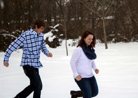 Samantha & Wayne running in the snow
