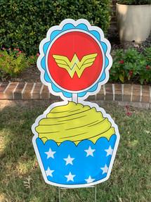 Wonder Woman Cupcake