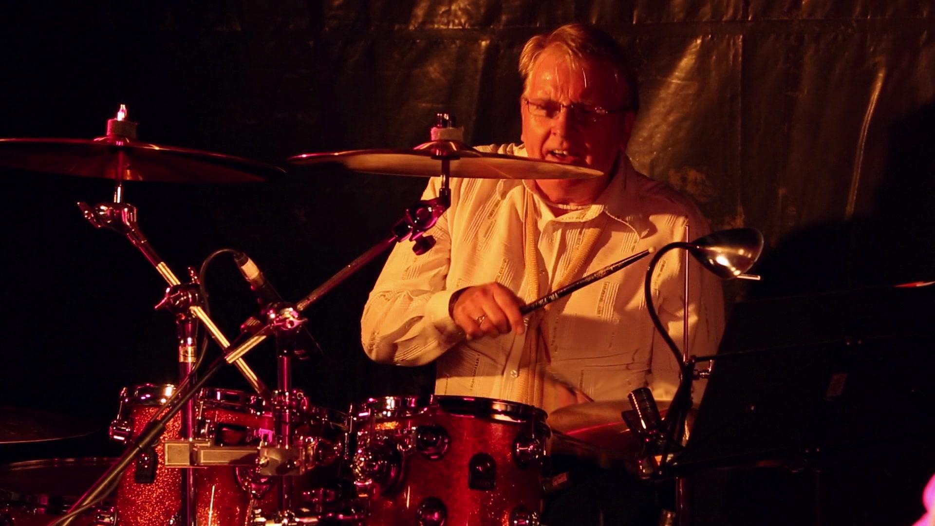 Drummer ABBA Chique