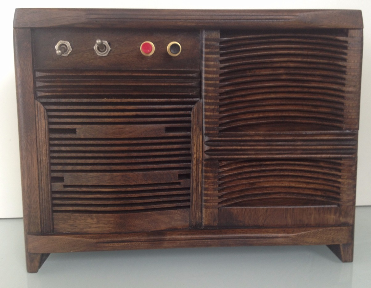 Handmade Walnut Bluetooth Radio