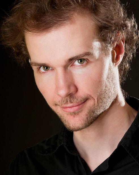 Photo portrait de François Pelletier guitariste-compositeur.