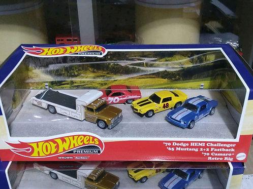 Hot Wheels Team Transport Challenger, Camaro and Mustang set