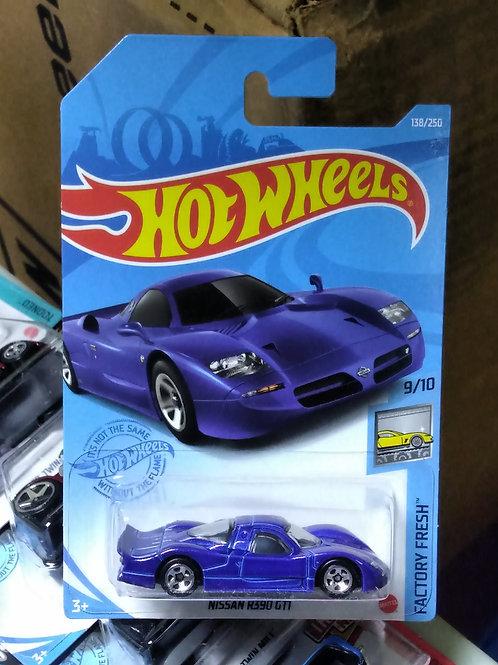 Hot Wheels  Nissan R390 GT1