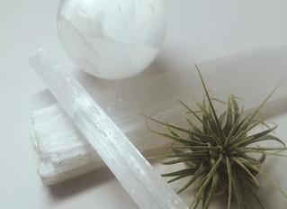 How to Cleanse and Recharge your Crystals with Selenite Crystal cleansing/recharge
