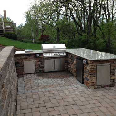Outdoor Kitchen and Pavers