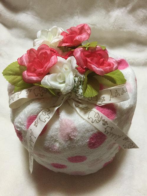 copy of diaper cake (pink dots)