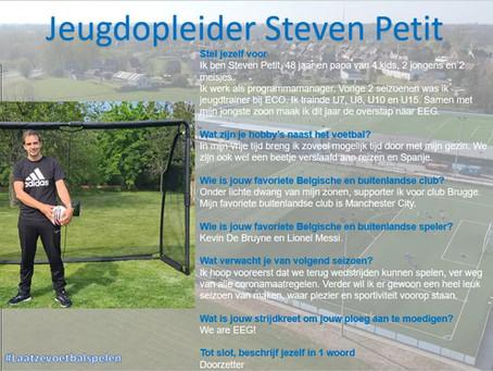 Jeugdopleider Steven Petit