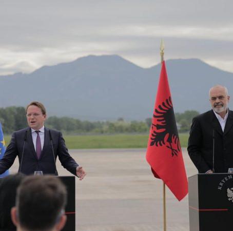 A do të kërkojë Shqipëria pasaportë vaksinimi ndaj Covid për turistët?