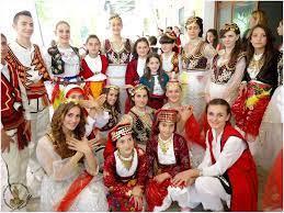 Kostumet: Identitet i pastër Shqipërie