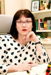 Fjalori frazeologjik anglisht-shqip i prof.dr Eshref Ymerit si një shërbesë e vyer