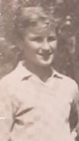 Një foto e vitit 1964 fikson Omer Stringën rinor