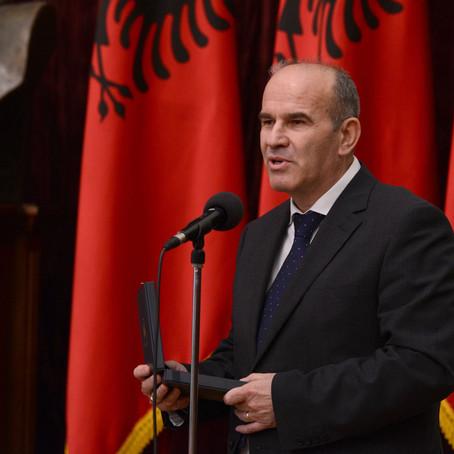 Jo! Jo, kolegu im nuk të lejoj të më tjetërsosh Shqipërinë time të dashur!
