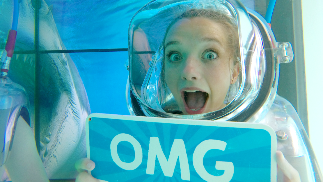 omg-underwater-photobooth