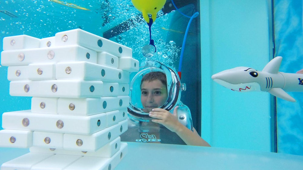 clear-lounge-underwater-oxygen-bar-5