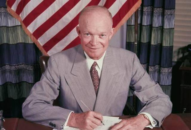 Fuente: https://www.timetoast.com/timelines/dwight-d-eisenhower-34th-president-1953-1961