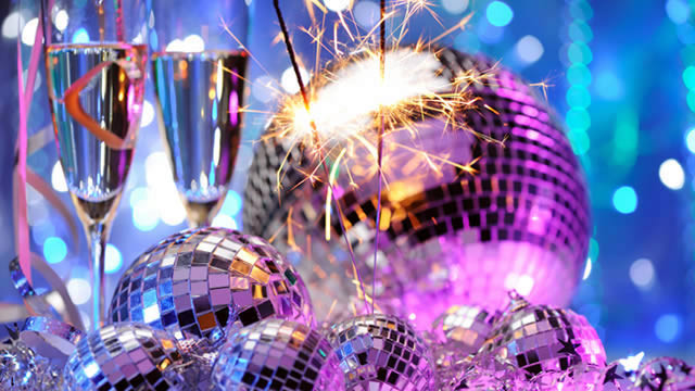 Fuente: http://money.usnews.com/money/the-frugal-shopper/2014/12/15/how-to-save-money-on-your-new-years-eve-party