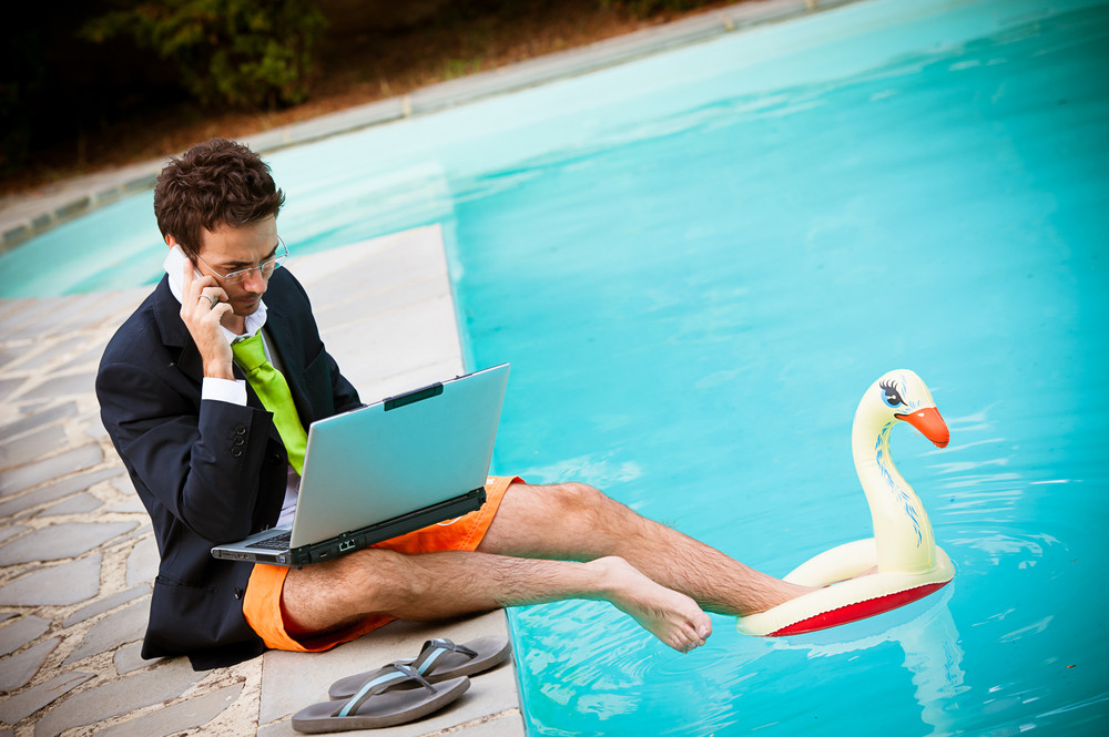 Fuente: http://theyoungprofessionalgroup.com/a-huge-number-of-millennials-cant-escape-work-while-on-vacation/