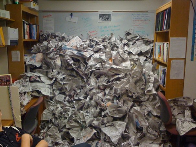 Fuente: http://prankked.com/funny-pranks-2/how-to-properly-paper-an-office-3-pics/