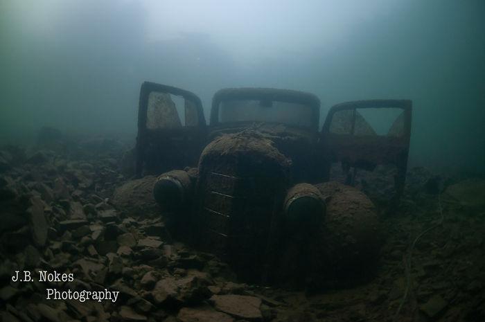 Scuba dive classic pickup truck in Lake CDA