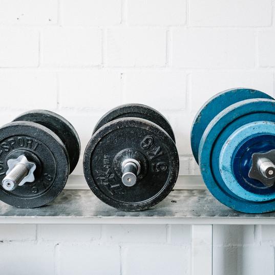 Die Gewichte warten auf Dich!