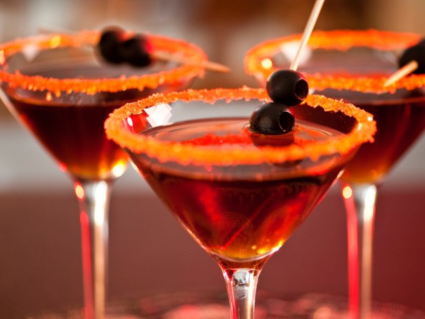HALLOWEEN BOOS & BOOZE -- DRINKS FOR THE SPOOKIEST TIME OF THE YEAR!