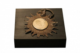 Публике представлена ранее неизвестная брошь Гогена