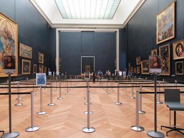 Новые правила посещения Лувра и возможные материальные потери