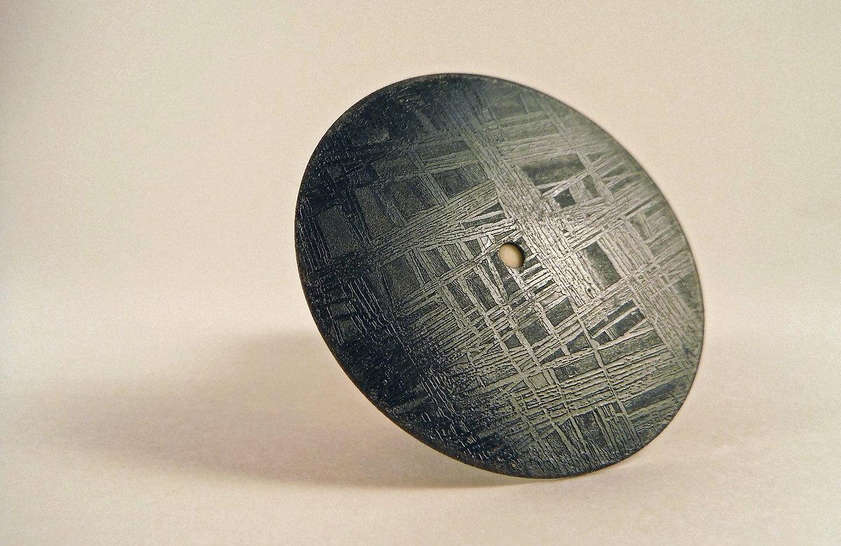 La fabrication du cadran extraterrestre de la Horae Volant Black Meteorite A49272_827741713afb469eb0ed25698eda4bf2~mv2_d_3456_2248_s_2