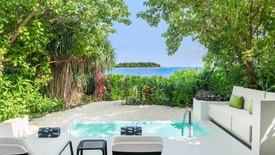Deluxe Beach Villa - Pool