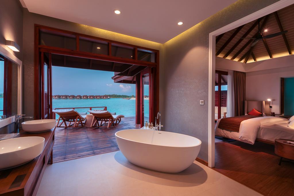 Water Villa With Pool4.jpg